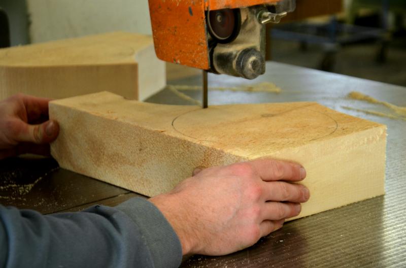 Mit einem Stück Zirbenholz beginnt alles!
