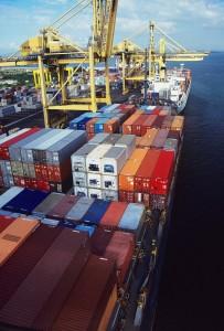 Pakete aus fernost müssen eine Odyssee über Land, Wasser und/oder Luft hinter sich bringen
