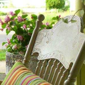 Tischlermöbel werden mit handwerklichem Geschick und Präzision gefertigt