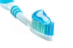 Plastikmüll: In der Zahnpasta dient Mikroplastik als Schleifmittel