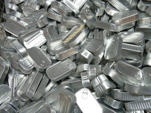 Wir wollen erreichen, dass Aluminium wiederverwertet wird. Weil Aluminium ist Umweltverschmutzung