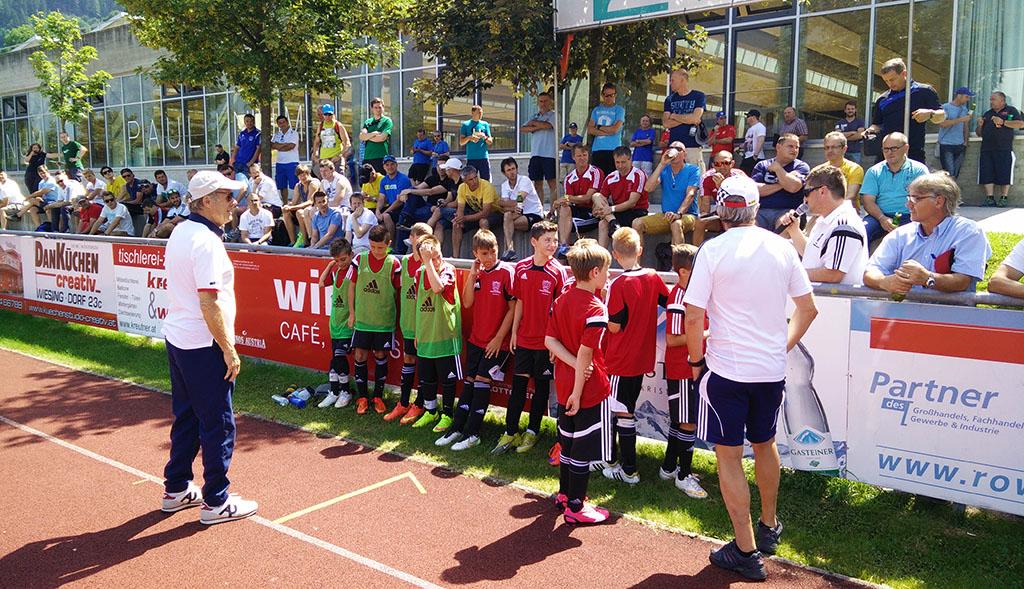Tirol ist anders - Mehr als 100 Trainer folgten dem Ruf von FUNiño nach Schwaz/Tirol