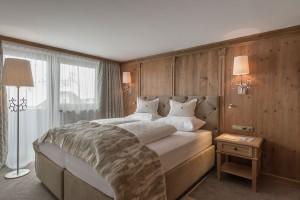 Stilvoll und mit Liebe zu Detail eingerichtete Zimmer und Suiten