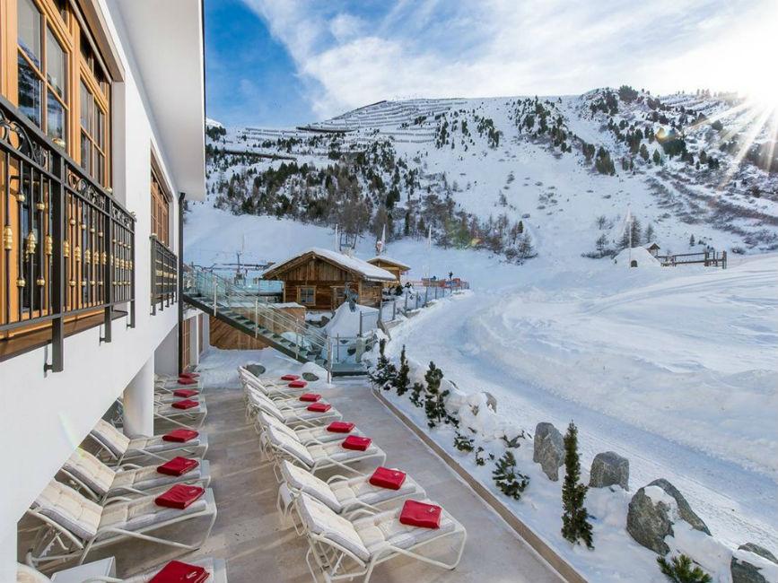 wellness in den bergen f r zwei alpen resort hochfirst. Black Bedroom Furniture Sets. Home Design Ideas