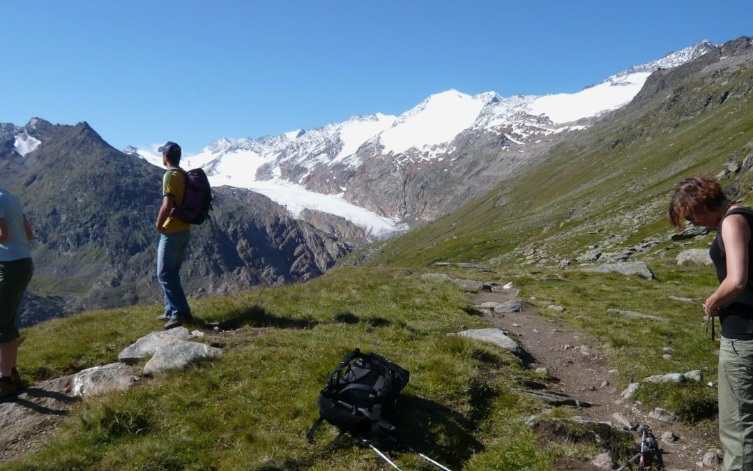 Schon von weitem grüßen die Gletscher rund um Obergurgl.