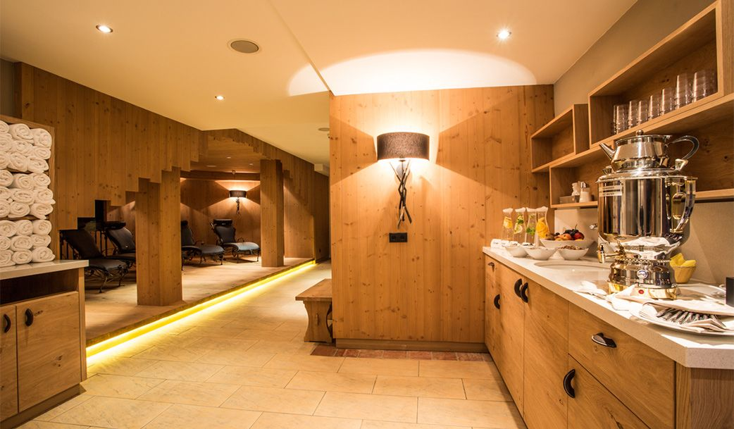 eintauchen und loslassen beim wellness in s lden. Black Bedroom Furniture Sets. Home Design Ideas
