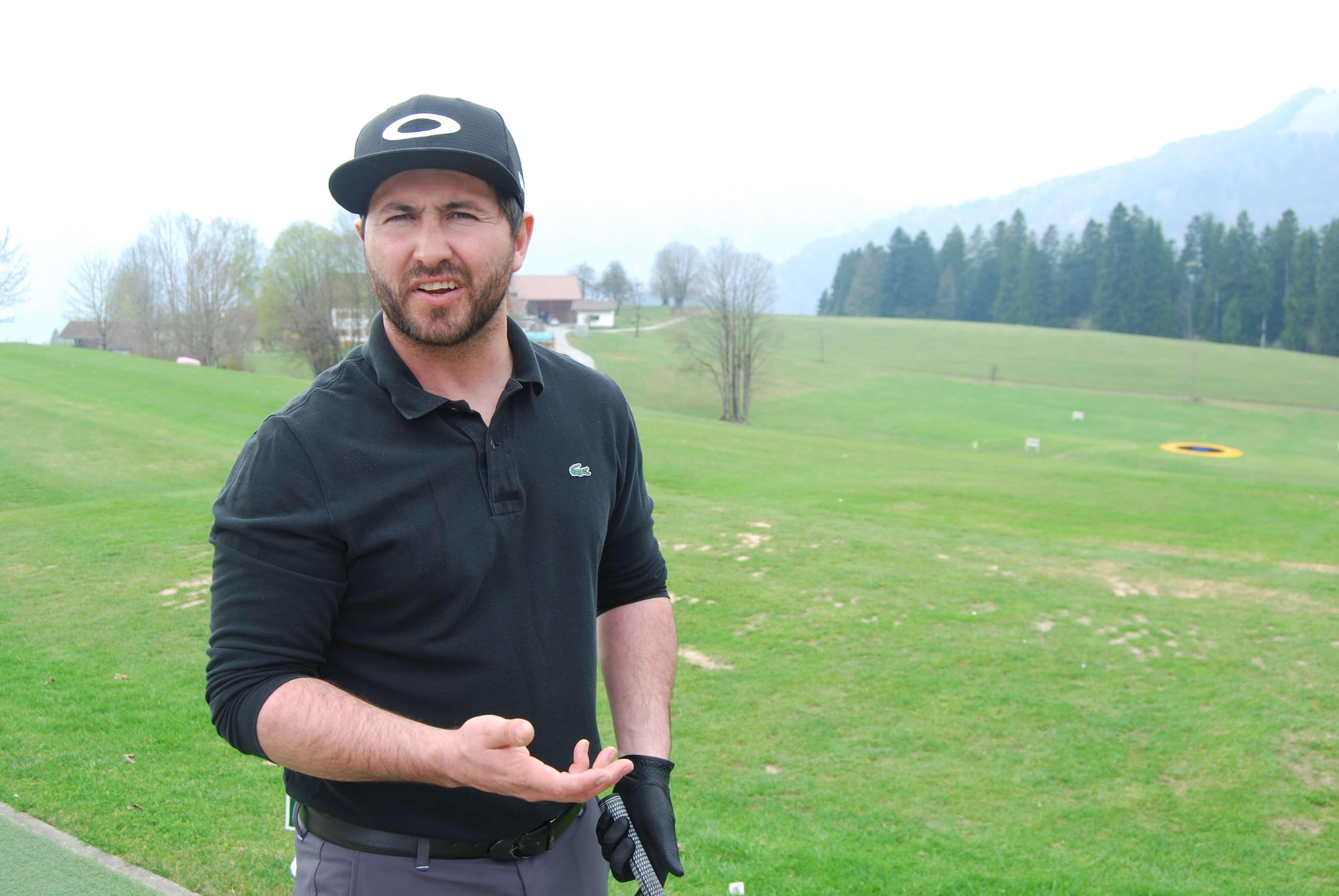 """""""Das Golfspiel ist ein Genuss. Dafür sollte man sich genügend Zeit nehmen"""", meint Golflehrer Hansi vom GC Reith im Winkl - Kössen. (C) Florian Warum"""