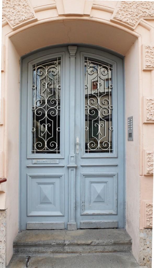 Die blauen Türen Salzburgs