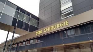An der Unfallchirurgie in Innsbruck wird der operationsfähige Patient nach einem Sturz binnen 24-48 Stunden operiert.