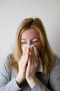 Erkältung und Sport: Bei Fieber über 38 Grad muss man sich zwei Wochen auskurieren