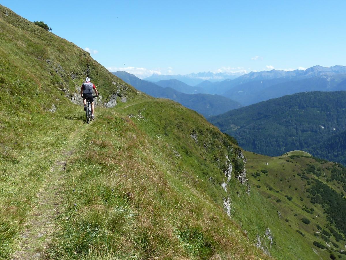 Das ist sicher nix für einen Anfänger, aber mit dem Mountainbike in Ischgl hat jede Könnerstufe ihren Spaß.