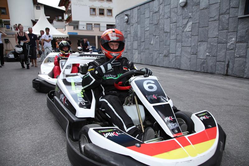 Kartfahren in Ischgl: Es ist vorbei mit der Ruhe und dem Subtilten! (Bild: TVB Ischgl)