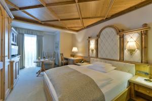 Die luxuriösen Zimmer bieten eine erstklassige Erholung für Ruhesuchende.