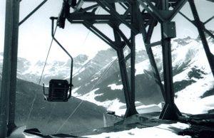 Die erste Bahn im Zillertal war die Materialseilbahn des Magnesitwerks, der erste Lift jener zum Tagbau.