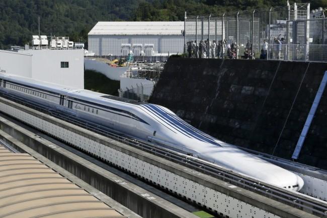 So werden wohl bald viele Züge in Japan aussehen...