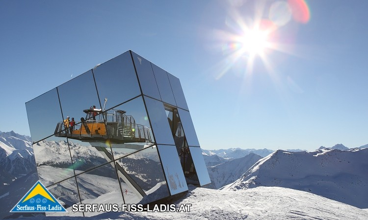 Der Crystal Cube Fiss ist ein wahrer Blickfang! (Bild: TVB Serfaus-Fiss-Ladis)
