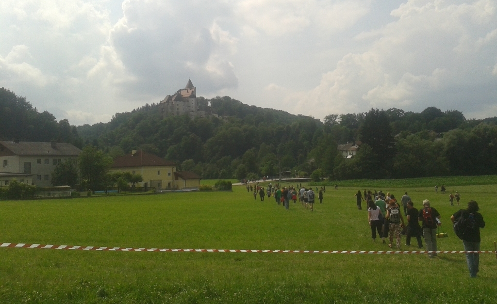 Die Burg thront über dem Konzertgelände und ist schon von Weitem zu sehen. Eine einzigartige Kulisse.