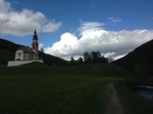 Gemeinsames Picknick in der Nähe des Aalsees bei Obernberg am Brenner