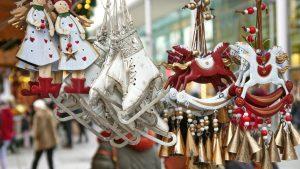 Adventmärkte in Österreich: völlig besinnungslos und gefügig wie Konsum-Zombies durch die Weihnachtsmärkte irren