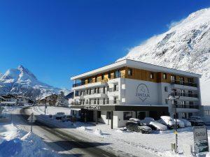 Das Zontaja begrüßt seine Gäste in der frisch verschneiten Landschaft des Paznaun. Bald auch ihr Hotel in Galtür?