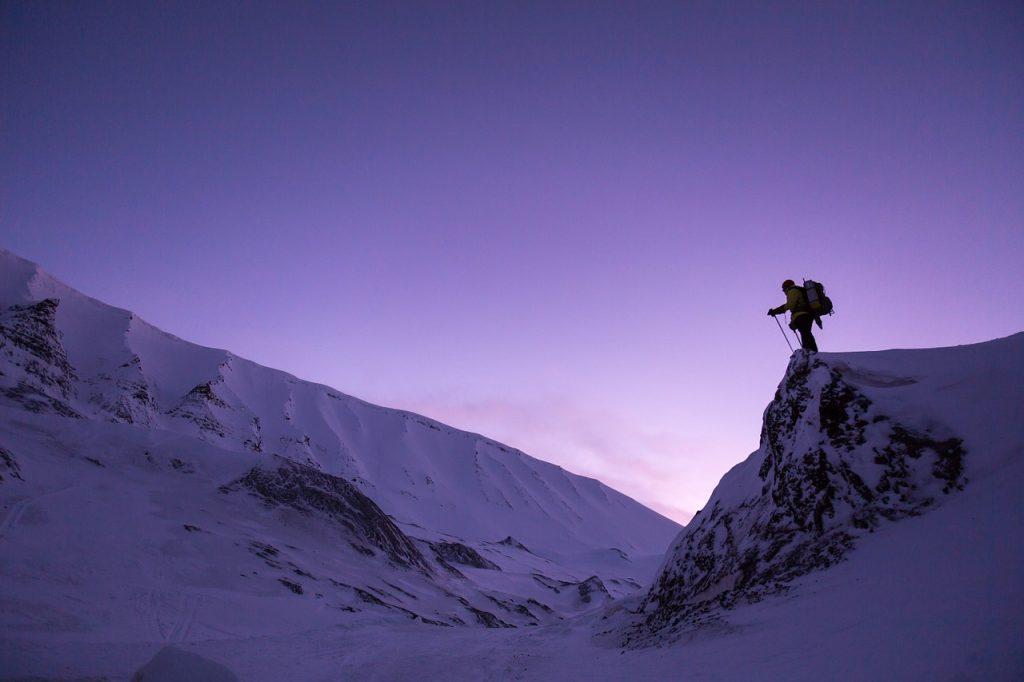 Winterfrische ist, die Bergwelt auf sich wirken zu lassen.