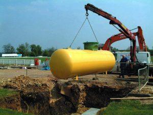 Der Tank für das Flüssiggas verschwindet unter die Erde. Der Platz kann natürlich genutzt werden.