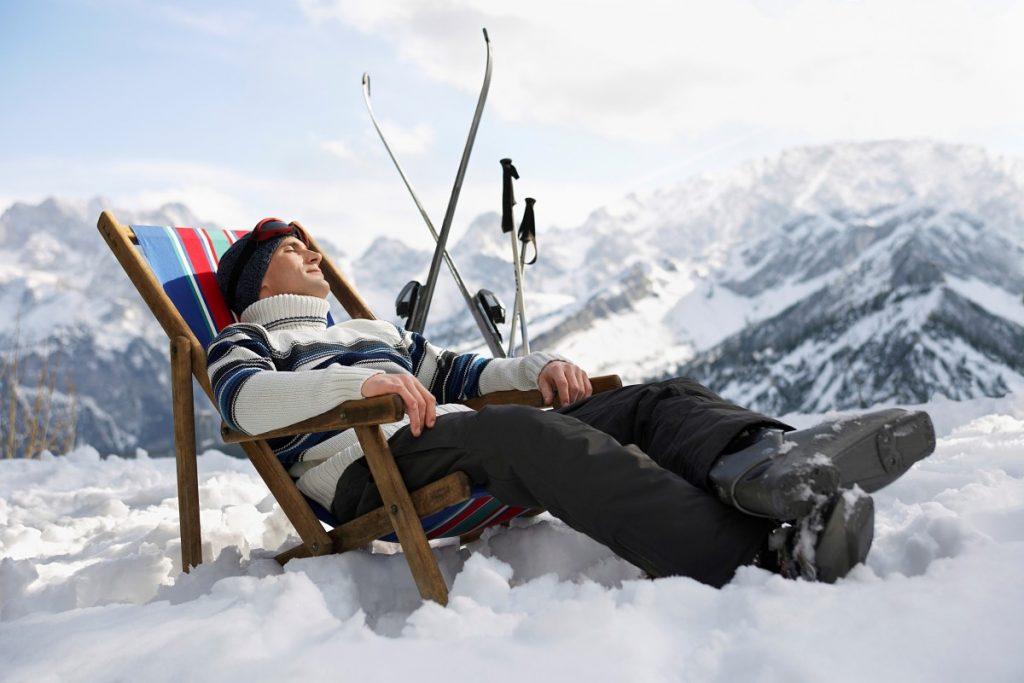 Pulverschnee am Vormittag, dann Sonne tanken im Liegestuhl. Wo geht das im März noch? Am Hintertuxer Gletscher, zum Beispiel.