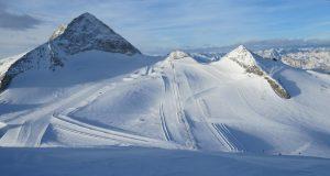 10 Stunden Sonne pro Tag? Kein Problem am Hintertuxer Gletscher. Wer will da noch nach Mallorca?