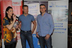 Moderatorin Manuela Kamper mit Rennfahrer Bernhard Henzel und Thorsten Willems von WS Racing