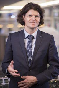 Dr. Michael Posselt