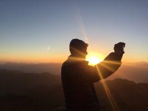 Ein Sonnenaufgang ist Höhepunkt für jeden Wanderer. Diesen Augenblick möchte man ganz einfach auch für später festhalten. (c) Florian Warum
