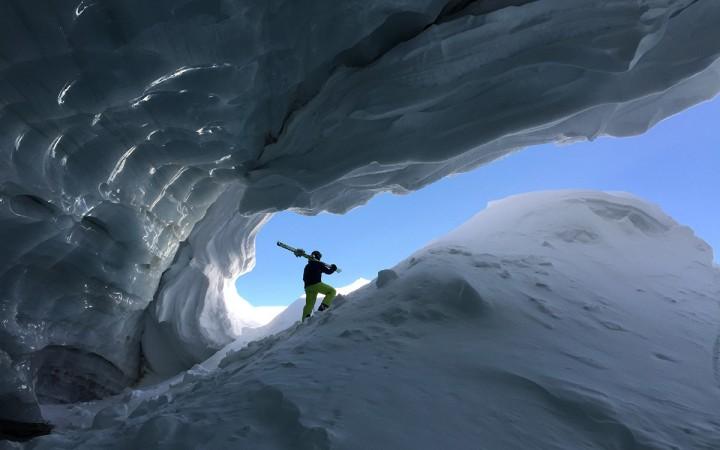 Die Eishöhle am Schnalstaler Gletscher.
